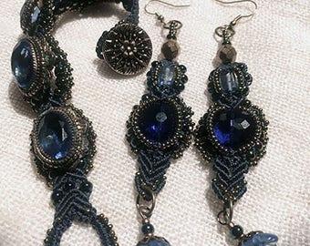Antique Blue Glass Bracelet with earrings