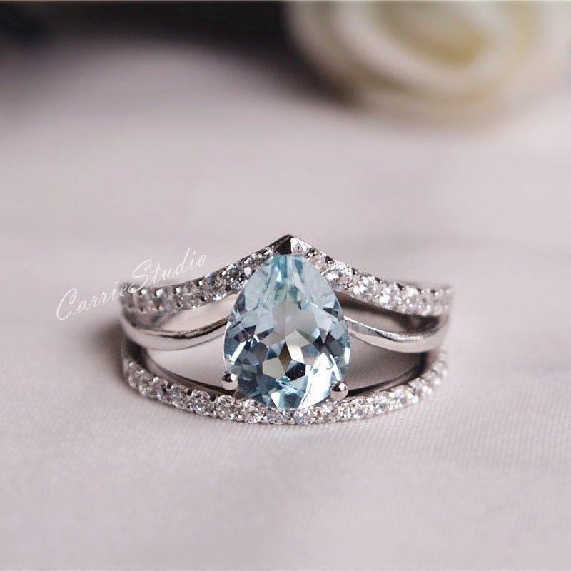 zoom - Aquamarine Wedding Ring