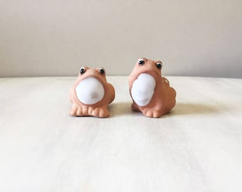 Pottery frogs, miniature frogs, vintage frogs, ceramic frog, frog figurines, retro frogs, frog decor, frog collectible, frog lover gift