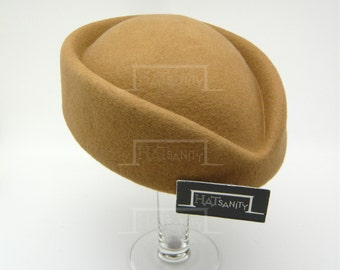 VINTAGE x ELEGANT Wool Felt Pillbox Hat - Beige