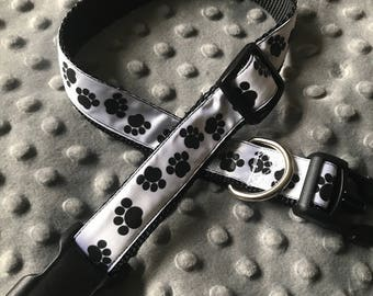 Black paw print dog collar