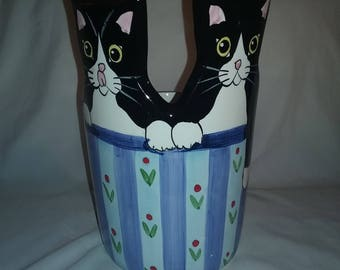 Andrea West Black and White  Cats Planter Vase Sigma the Tastesetter. Cat palnter,large black cat planter
