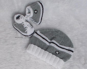 wool baby Cap 0/3 months white and grey flannel hand knitted