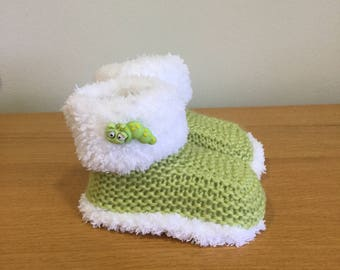 Fur Trimmed Baby Boots,  Hand Knitted Baby Booties, Reborn Baby Boots, Bug Booties, Baby Slippers, Ideal Gift - Ready to ship