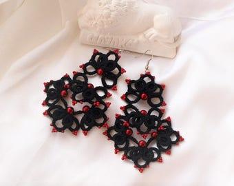 Black tatting earrings