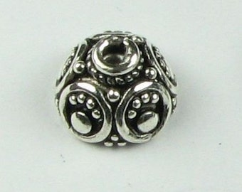 Intricate Dots and Circles Bali Sterling Silver Bead Caps 8mm (2 beads)