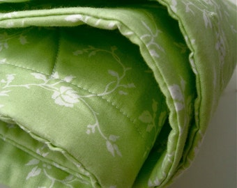 organic baby quilt bedding / eco friendly light peridot celery green