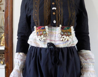 Vintage indian jacket bolero vest Rajasthan embroideries cowries S-M