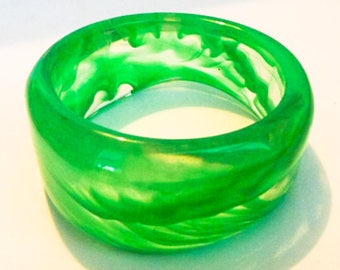 Vintage Lucite Jade Green Bangle     Retro    Fits Large Wrist