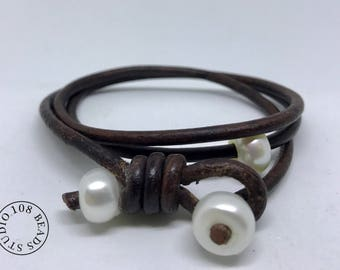 Pearl Leather Bracelet, Leather Wrap Bracelet, Pearl on leather,  Boho Bracelet,  Women Bracelet, Pearl Wrap Bracelet, Leather Bracelet