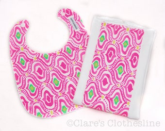 Lilly Pulitzer Bib and Burp Cloth Set - Lilly Pulitzer Come Out of Your Shell Border Bib and Burp Cloth - Ready to Ship