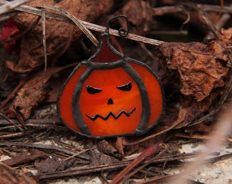 pumpkin halloween brooch, jack o lantern brooch, jack o lantern accessories, halloween accessories, halloween handmade jewelry