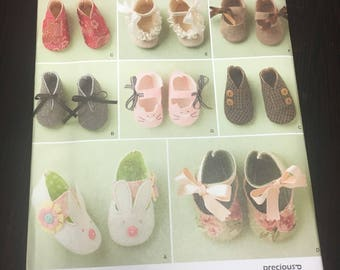 UNCUT Simplicity Sewing Pattern 1710-Baby Booties Sizes S-L