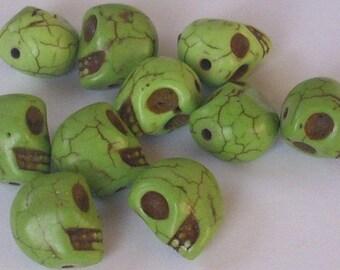 2 beads skull green 13 x 9 mm - howlite