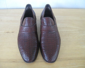 1970s - Vintage - Light in the Loafers -  Hand Made Italian Shoes / 70s Brown Woven Leather Loafers - by Castello made in Italy Sie 10 1/2 C