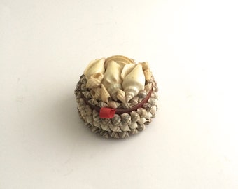 Trinket Box in Vintage Seashells.  Jewelry Box.  Decorative Folk Art.  Miniature Handmade, Lined Jewelry Cache.  Collectible.