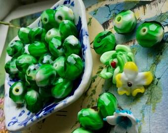Vintage Glass Rondelle Beads, Marbled green beads, 13x9mm glass beads, Opaque beads, Rare beads, Emerald beads, vintagerosefinding, #B229E