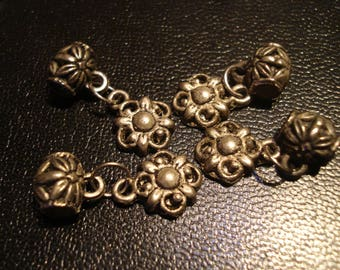 charm antique silver flower shaped charm