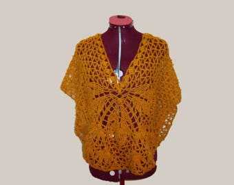 Poncho crocheted creation hand made honey-colored light worsted