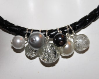 Black Leather Necklace, Black Leather Jewelry, Black Leather Necklace with Gray Pearls, Gray Beaded Leather Necklace, Gray Beaded Jewelry