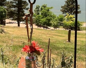 Bedspring hanging flower vase
