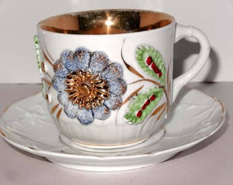 White & Gold Leaf Raised Blue Flower Tea Cup with Saucer Home and Garden Kitchen and Dining Tableware Drinkware Coffee and Tea Cups