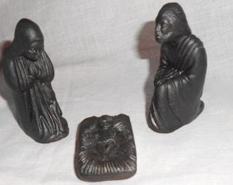 Self Help Black 3 piece Christmas Nativity Set Bangledesh