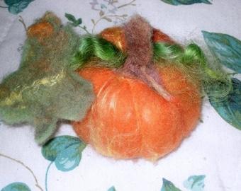 Needle Felting Kit / Gourmet Felted Pumpkin Kit / Learn to Needle Felt  / DIY Craft Kit / Needlecraft  / home decor
