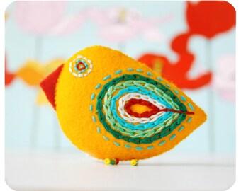 felt pin, bird pin, felt brooch, embroidered pin - yellow chiken brooch