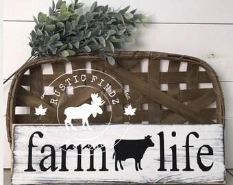 Farmhouse Sign // Farm Life Wood Sign // Farm Life // Farm // Farm sign // Farmhouse // Farmhouse decor // Cow sign // Rustic Sign