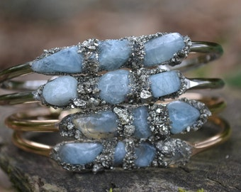 Aquamarine bracelet, Birthstone jewelry, Silver bracelet, bridesmaid gift, gift-for-her, aquamarine jewelry, cuff bracelet, raw aquamarin