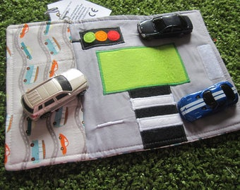 Car toy carrier roll mat