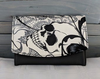 Black and White, Skull Boon Wallet