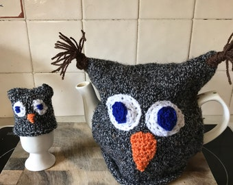 Owl tea cosy and set of 4 egg cosy