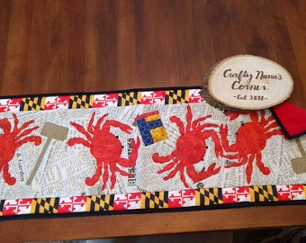 Maryland crab table runner