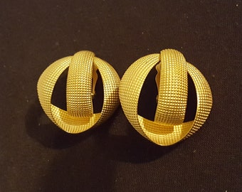 """80's large chunky textured goldtone metal signed Norma Jean clip on 3 hoop earrings 1.75 x 1.75"""" retro"""