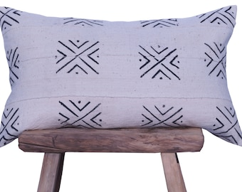 """Authentic African Mudcloth White and Black Patterned Pillow Cover 16""""x26"""""""