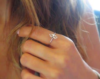Tiny Silver Quartz ring |  Layering rings | Vertical ring | Clear quartz ring | Gifts for her | Gifts for teen | Dainty quartz ring