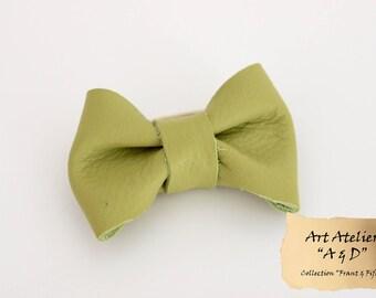 Elastic node pistachio green color genuine leather