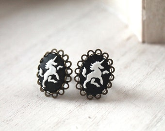 Unicorn plugs 2mm 12G  stretched ears black white gauges stretched lobes