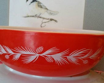 Vintage Pyrex Casserole Round Holiday Promo Red Pinecone 1960 2 Quart 024