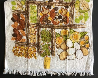 Vtg Kitchen Hand Towel -  Food In Green Yellow and Brown - Unused