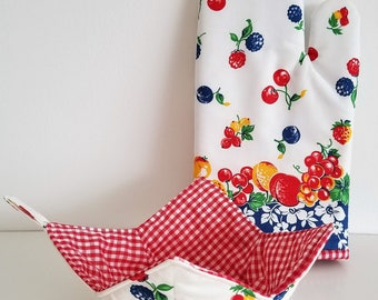 Oven Mitt and Bowl Cozy Set, Kitchen, vintage fruit print, cherries, berries, peaches, plums, cozies, bake, cook, microwave