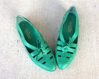 vtg 80s Emerald Green LACE UP leather Cut Out OXFORDS 6 flats avant garde boho brogues preppy shoes kelly