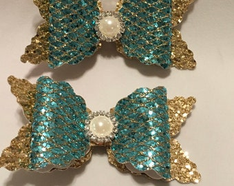 Girls Hairbows/Boutique Hairbows/Faux Leather Hairbows/Bows