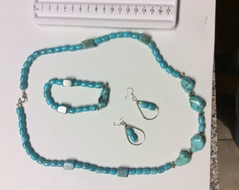 Turquoise necklace, earrings, bracelet set.