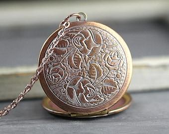Vintage rose gold rose pattern locket necklace. Genuine vintage locket. Long rose gold necklace. Flower locket. Mothers day. Bridesmaid.