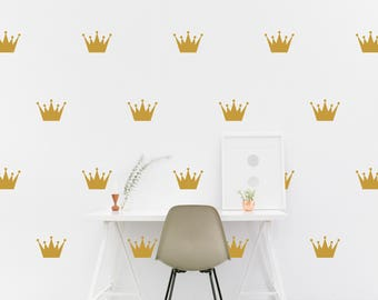Gold Crown wall Decal King, Queen Crowns Kids room Wall Sticker Kids Bedroom Pattern Wallpaper Vinyl Wall Decals Nursery Stickers Home Decor