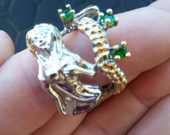 Large Mermaid Ring w green stones   SS  8