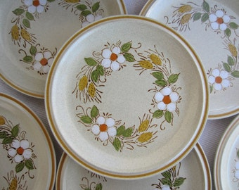 Vintage Prairie Flowers Hearthside Stoneware Garden Festival  Dinner Plates made in Japan